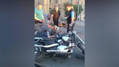 ЧП. В Питере два мотоциклиста врезались друг в друга