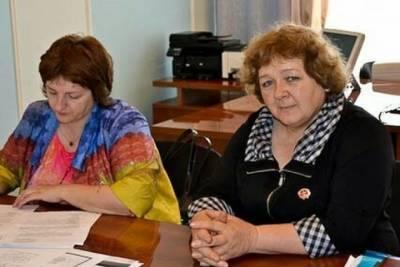 В Омском районе жители деревни обратились к Меркель из-за плохой дороги
