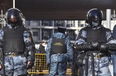 Путин подписал закон о штрафе до 500 тыс. рублей за распространение сведений о лицах под госзащитой