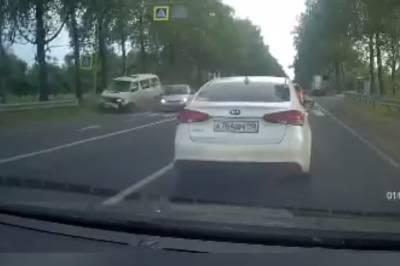 Осторожность пешехода спасла ему жизнь на трассе между Никольским и Лядино