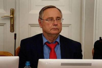 Омский депутат начал реконструкцию своего кинотеатра в Чкаловском посёлке