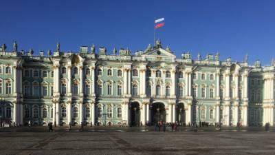 Беглов поздравил петербуржцев с Днем России и пожелал успехов в труде на благо Отечества