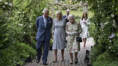 Британская королевская семья устроила прием для мировых лидеров и их жен