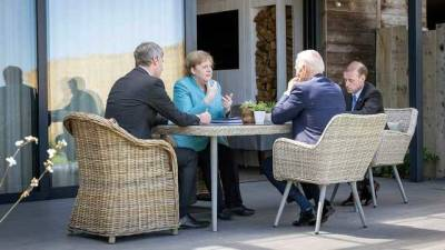 Украина должна оставаться партнером в транзите газа, – Меркель на встрече с Байденом