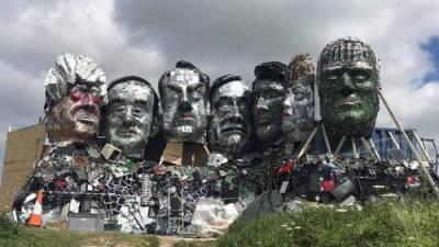 Арт-скульптура из мусора лидеров G7 появилась в Корноуле на юге Англии