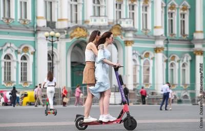 Власти Петербурга заявили о планах ввести новые COVID-ограничения
