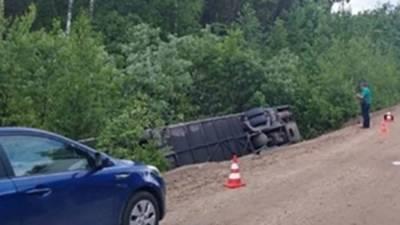 Появилось видео с места аварии с экскурсионным автобусом в Ленобласти