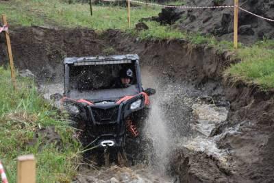 Сахалинские джиперы поборолись в грязи за кубок залива Терпения