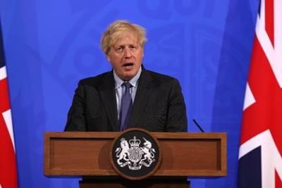 В Великобритании перенесли снятие ограничений из-за COVID-19
