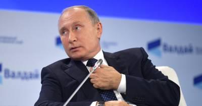 """""""Можете жаловаться в Международную лигу сексуальных реформ"""", - Путин ответил на обвинения в кибератаках"""