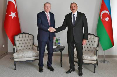 Алиев и Эрдоган подписали декларацию о союзнических отношениях Азербайджана и Турции