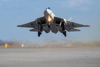 В России планируют разработку обновленного варианта истребителя Су-57