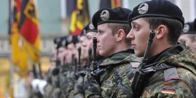 Четверых солдат НАТО отозвали из Литвы после участия в развратной вечеринке