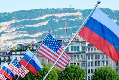 Путин прилетел в Женеву на переговоры с Байденом