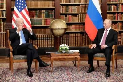 Журналисты из США устроили давку на саммите Путина и Байдена
