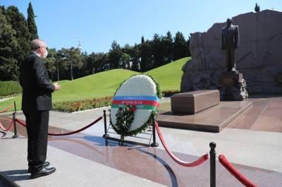 Президент Турции посетил могилу Великого лидера Гейдара Алиева