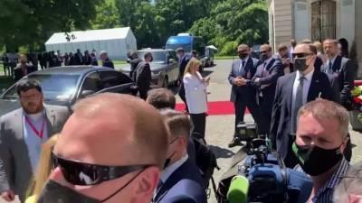 Американские журналисты устроили давку на саммите Путина и Байдена в Женеве