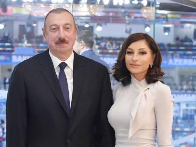 От имени Президента Ильхама Алиева и Первой леди Мехрибан Алиевой дан обед в честь Президента Эрдогана и его супруги