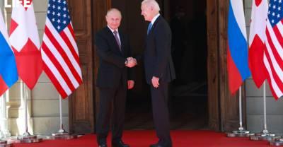 Байден — защитник, Путин — романтик: Физиономист оценил поведение президентов России и США на саммите в Женеве