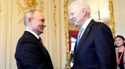 Зажатость на фоне спокойствия Путина: психолог прочитал поведение Байдена на саммите