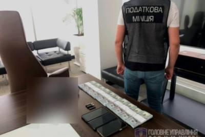 В Киеве пресекли деятельность конвертцентра с годовым оборотом более миллиарда гривень