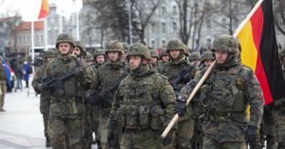 """""""Пели нацистские песни в день рождения Гитлера"""": Германия выводит взвод солдат из Литвы"""
