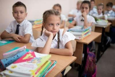 Пособие для подготовки детей из многодетных семей к школе увеличили на Ставрополье