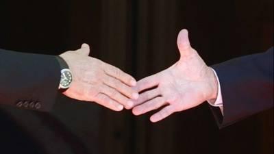 Жил на грани, боится алкоголя: хиромант раскрыл тайны Байдена, взглянув на его руку