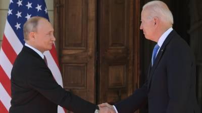 «Профессионал, нужно очень внимательно с ним работать»: Путин рассказал о впечатлениях от встречи с Байденом