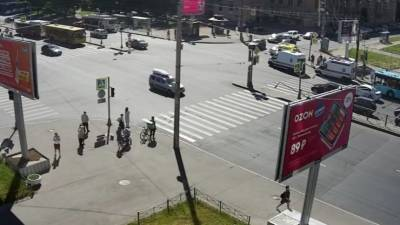 Маршрутка влетела в автобус на юге Петербурга