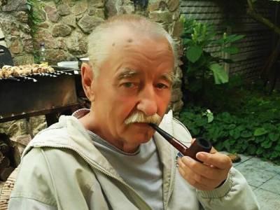 Однажды во время поездки в Беларусь я и Рыбчинский остались без денег. Мы сговорились и в поезде обыграли в карты Богатикова