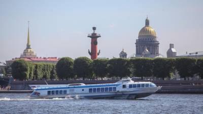 Метеоры запустили между Петербургом и Кронштадтом