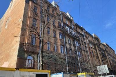 В Петербурге депутаты направили запрос губернатору по поводу дома Чубакова