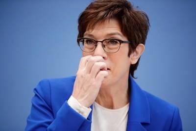 Министр обороны Германии оценила неонацистскую вечеринку солдат с изнасилованием