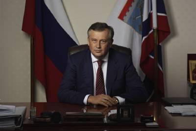 Александр Дрозденко поздравил медработников Ленобласти с профессиональным праздником