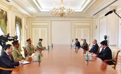 Президент Ильхам Алиев принял командующего сухопутными войсками Пакистана