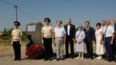 Мединский посетил место строительства мемориального комплекса в Ленобласти