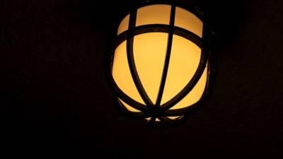 Жители четырех районов Петербурга пожаловались на отключение электроэнергии