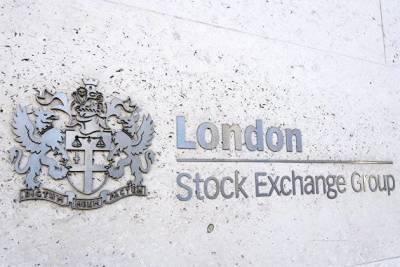 Бумаги российских компаний в основном дорожают в Лондоне