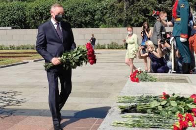 Память погибших в годы Великой Отечественной войны почтили в Петербурге
