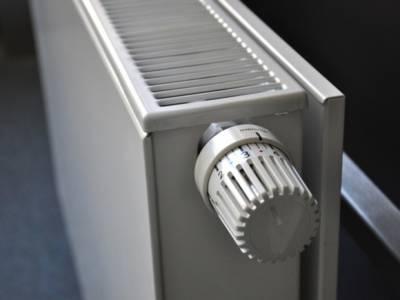 В аномальную жару у жителей Центрального района Петербурга потеплеют батареи