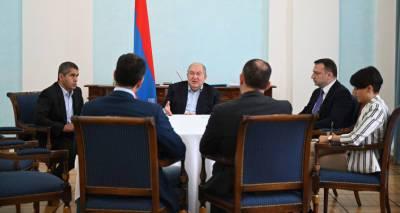 Президент Армении обсудил с и.о министра экономики перспективы развития высоких технологий