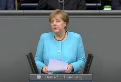 Меркель заявила о необходимости прямого диалога Евросоюза с Путиным