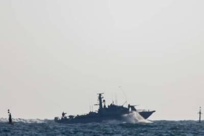 В России грозят открывать огонь по кораблям НАТО у берегов аннексированного Крыма и мира