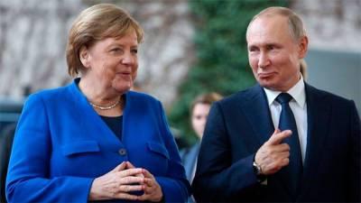 Евросоюз отказался от идеи саммита с Россией, за которую ратовали Меркель и Макрон