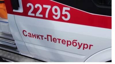 Двухлетний мальчик выжил после падения с четвертого этажа на проспекте Стачек