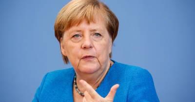 """Лидеры ЕС раскритиковали идею Меркель о """"прямом контакте"""" с Путиным"""