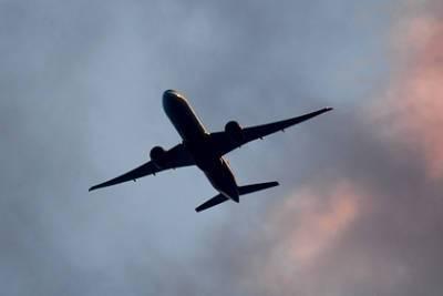 Самолет SSJ-100 аварийно сел в России из-за отказа турбины