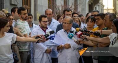 Медики обратились с письмом к властям Армении в поддержку профессора Чарчяна