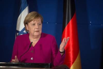 Меркель недовольна отказом руководства ЕС проводить встречу с Путиным и мира